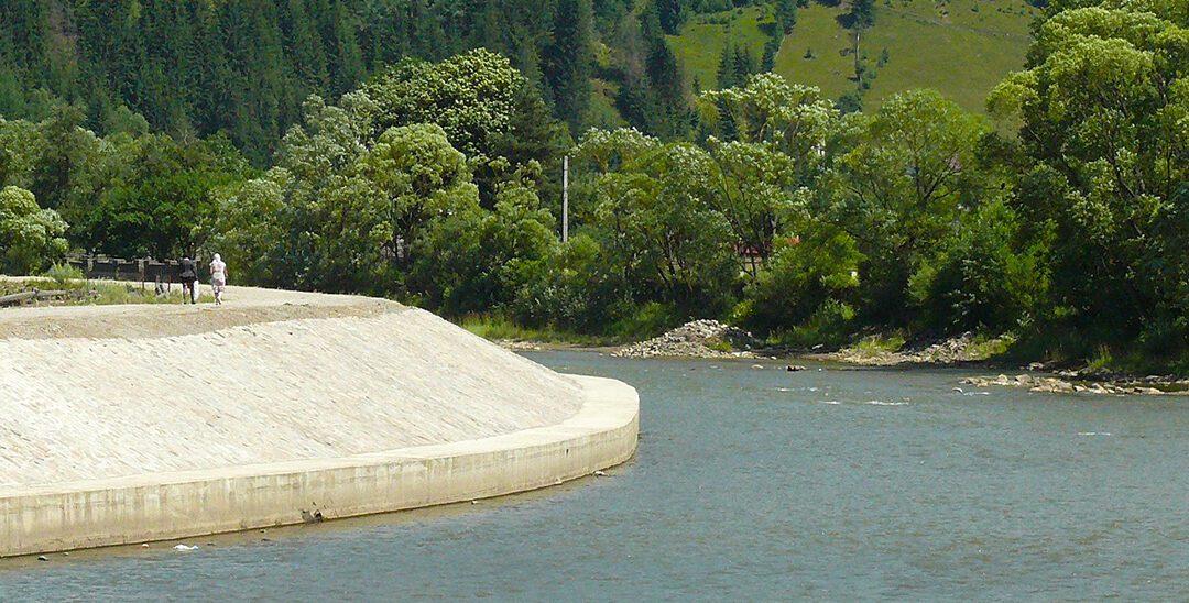 Gabioane și diguri, după hidrocentralele private